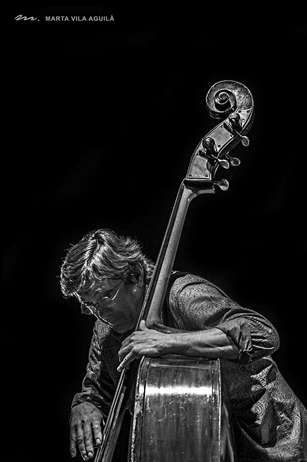 Javier Colina, contrabajo, Jorge Pardo, flauta, saxo, flamenco, cumbre Flamenco Latin Jazz, musica en vivo, España, Flamenco on fire, Pamplona, guitarra flamenca, Paco de Lucia, Camaron, flamenco jam